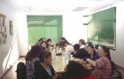 Usuarios en talleres educativos del CES. / Aclad