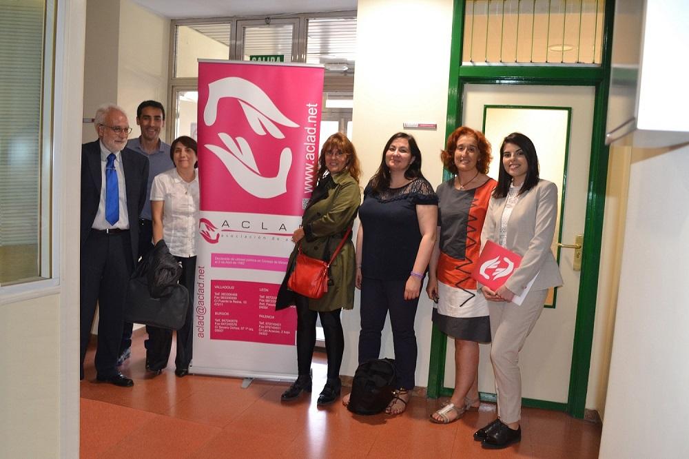 El Director Adjunto de Aclad acompañado de los gestores del FSE y de miembros del Organismo Intermedio Coordinador de Castilla y León./ A.C.M